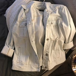 Abercrombie and Fitch light denim jacket size XL